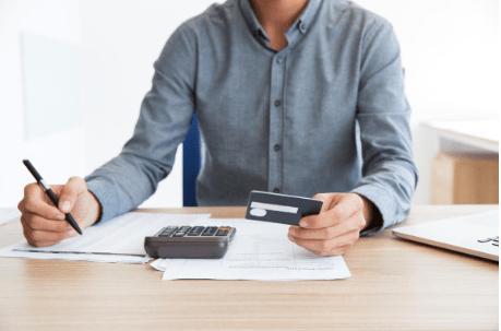 ¿Cómo serán mi informe de crédito y mi puntaje de crédito después de declararme en bancarrota?